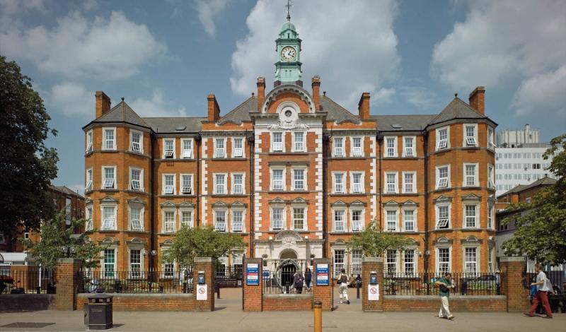 Trường cao đẳng Imperial được cấp giấy phép hoạt động giảng dạy vào năm 1907