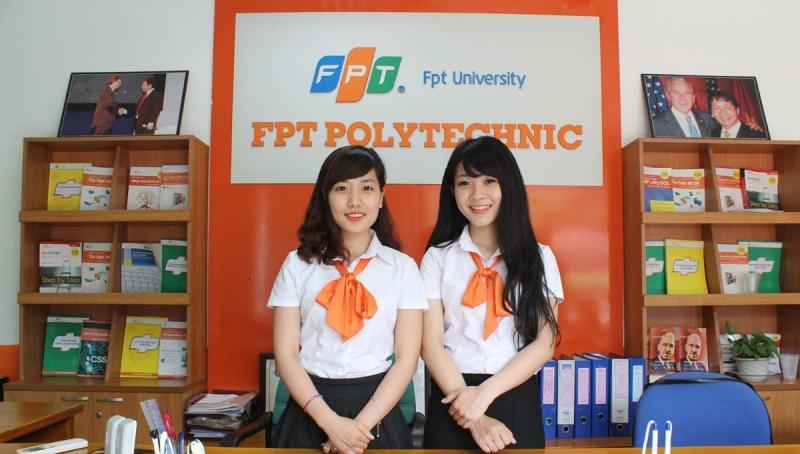 Nữ sinh Cao đẳng thực hành FPT Polytechnic xinh đẹp, năng động và rất tự tin.