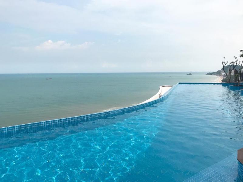 Hồ bơi ở Cao Hotel