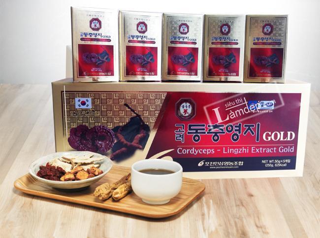 Cao Linh Chi Đông Trùng Hạ Thảo Pocheon: Được chiết xuất từ trùng thảo Hàn Quốc và Nấm linh chi, mật ong, đường...
