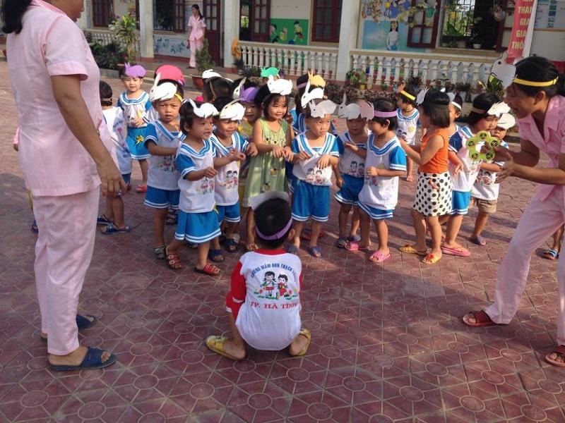Cáo và thỏ - trò chơi vận động dành cho trẻ mầm non hay nhất