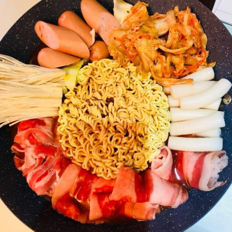 lẩu tokbokki tại Cạp Seafood