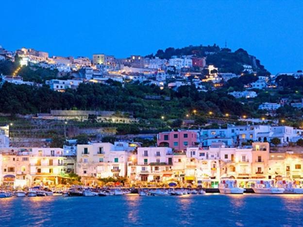 Capri xứng đáng với tên gọi viên ngọc sáng giá của Ý
