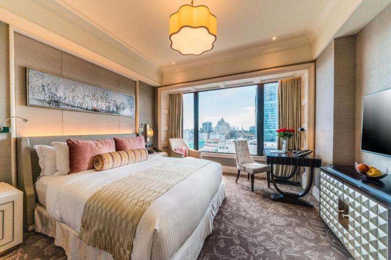 Phòng ngủ Caravelle Saigon