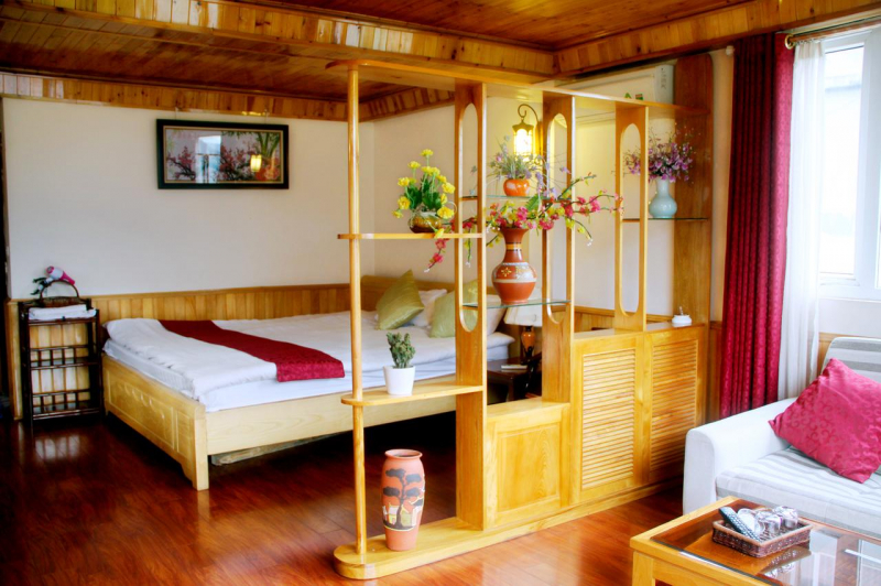 Tất cả kết hợp với nhau tạo nên không gian phòng nghỉ rất hài hòa, đẹp mắt, sang trọng.