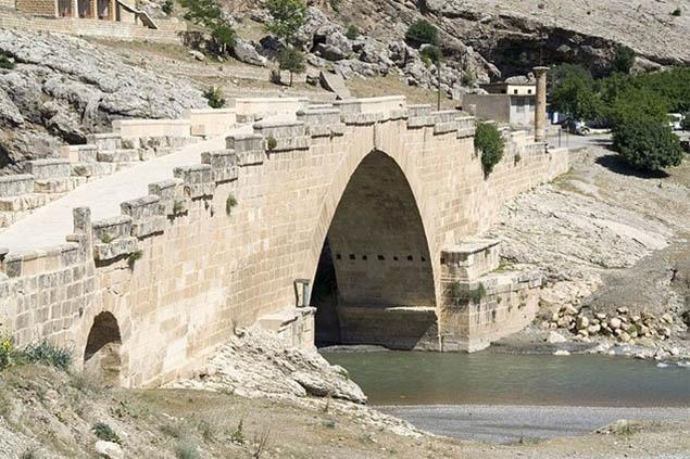 Cầu Cendere tại Thổ Nhĩ Kỳ