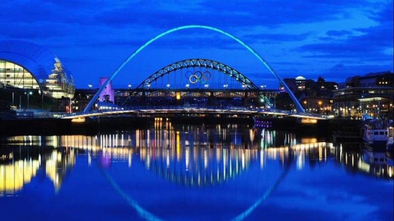 Cầu Gateshead Millennium, Anh