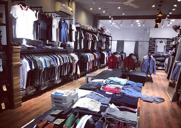 Ở đây có rất nhiều các shop quần áo nam lớn