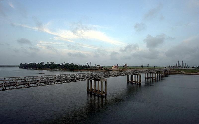 cầu Hiền Lương - sông Bến Hải