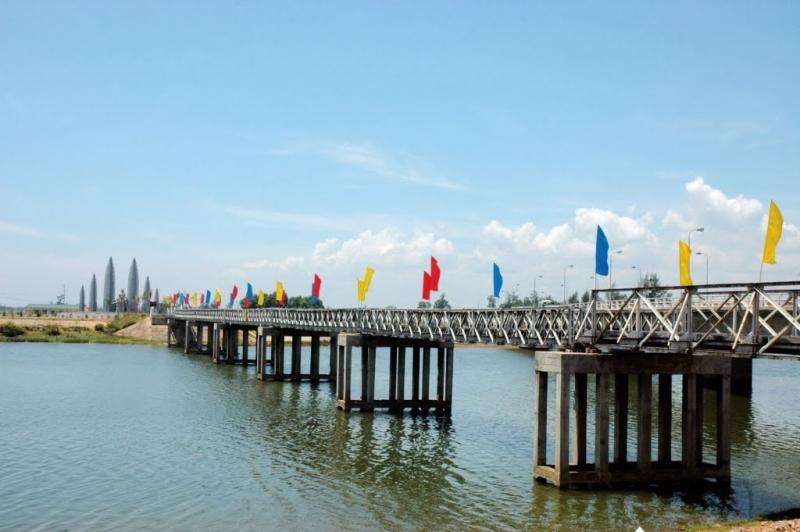 Cầu Hiền Lương và sông Bến Hải