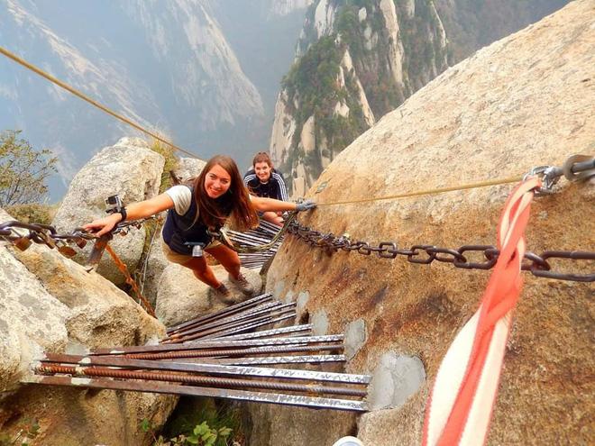 Cầu Hoa Sơn ở Trung Quốc