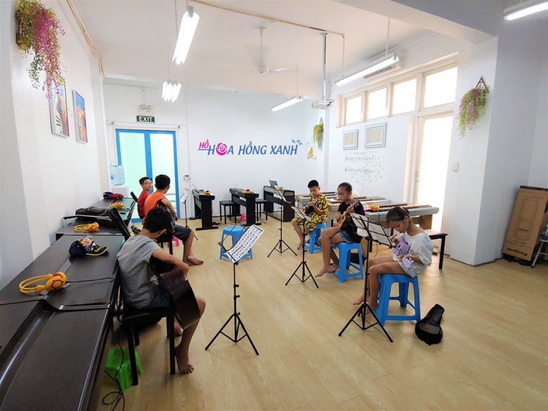 Câu lạc bộ âm nhạc Hoa Hồng Xanh