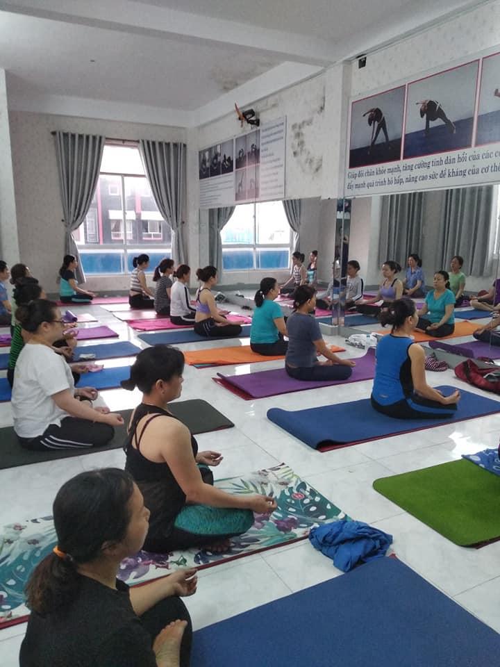 Câu lạc bộ Yoga Kim Dung