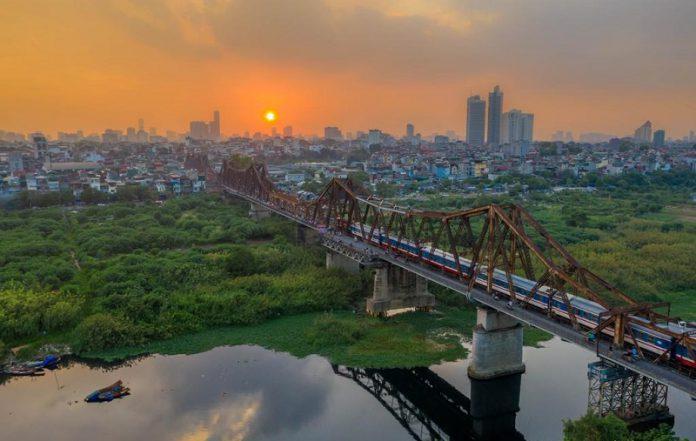Cầu Long Biên - Niềm từ hào của người dân Hà Nội