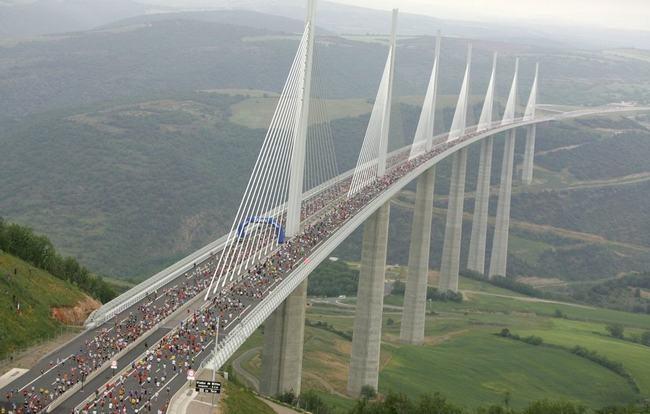 Cầu Millau Viaduct, Pháp