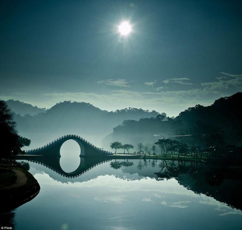 Cầu Nguyệt