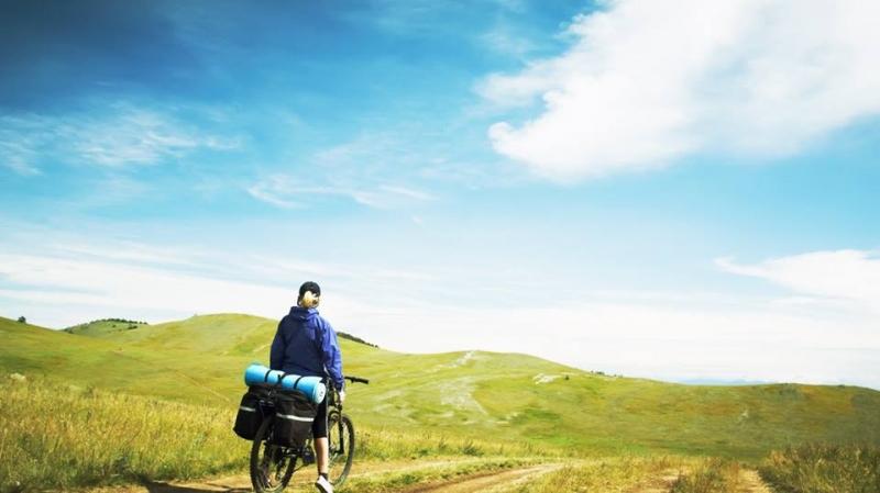 Một cuộc hành trình thực sự được tính không phải bằng dặm, mà bằng những người bạn. – Tim Cahill