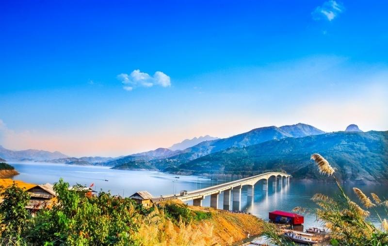 Cầu Pá Uôn