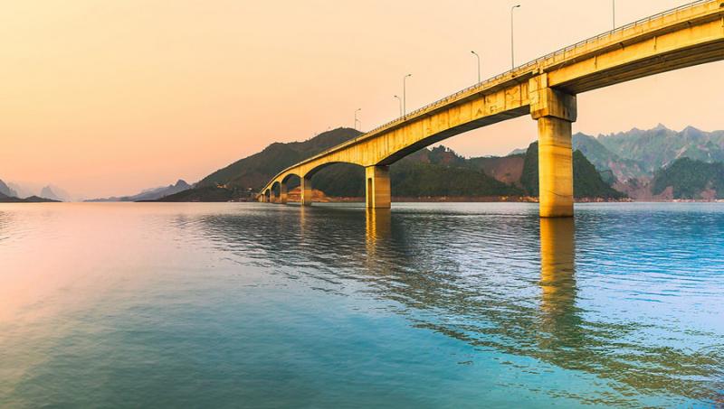 Pá Uôn là cây cầu có trụ cao nhất Việt Nam