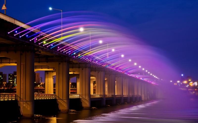 Cầu Phun nước Banpo - hàng nghìn tia nước tuyệt đẹp hòa chung với tiếng nhạc nước