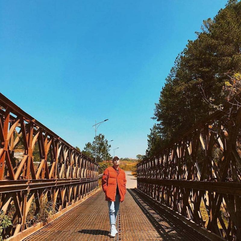 Cầu sắt Hồ Tuyền Lâm