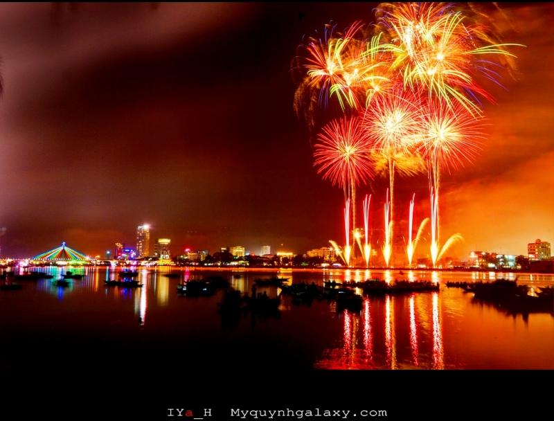 Lễ hội bắn pháo hoa quốc tế tại cầu sông Hàn Đà Nẵng