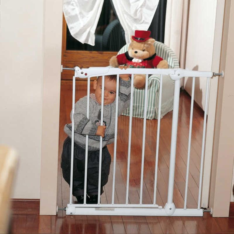 Thanh chắn cầu thang khiến mẹ yên tâm hơn