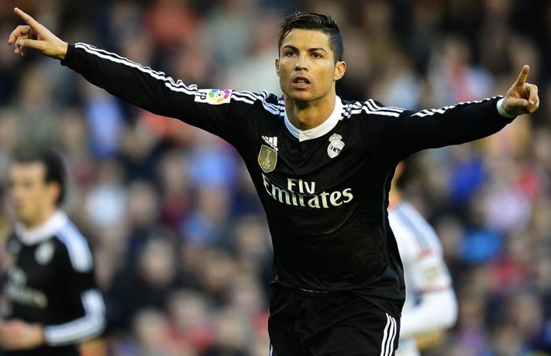 Ronaldo là cầu thủ Real ghi nhiều bàn thắng nhất