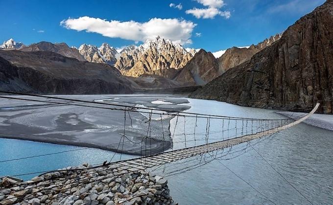 Cầu treo Hussaini, Pakistan