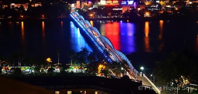 Cầu Trường Tiền - Phố đi bộ Nguyễn Đình Chiểu