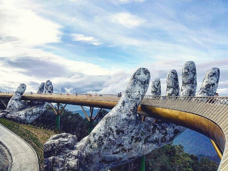 Golden Bridge - The most popular attraction in Ba Na Hills