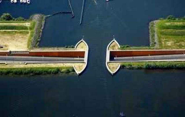 Cầu nước Veluwemeer Hà Lan