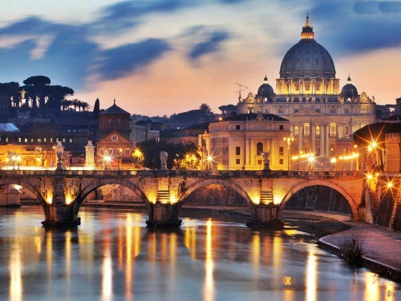 Cây cầu Ponte Sant'Angelo ở Rome, nước Ý