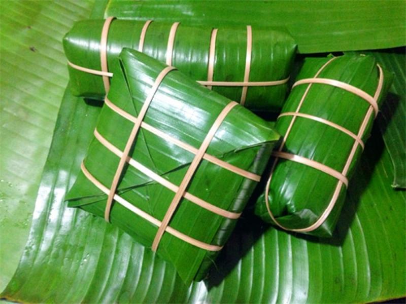 Lá chuối dùng để gói bánh
