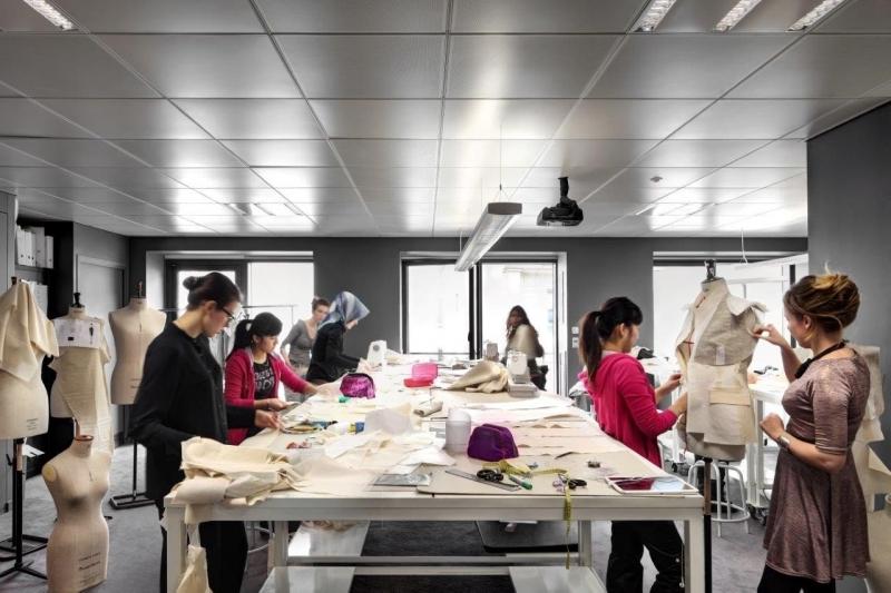 Cơ sở vật chất hiện đại giúp sinh viên được thỏa sức sáng tạo.