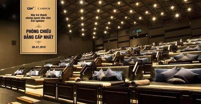 CGV là hệ thống rạp chiếu phim đầu tiên tại Việt Nam phòng chiếu L'amour với giường nằm sang trọng