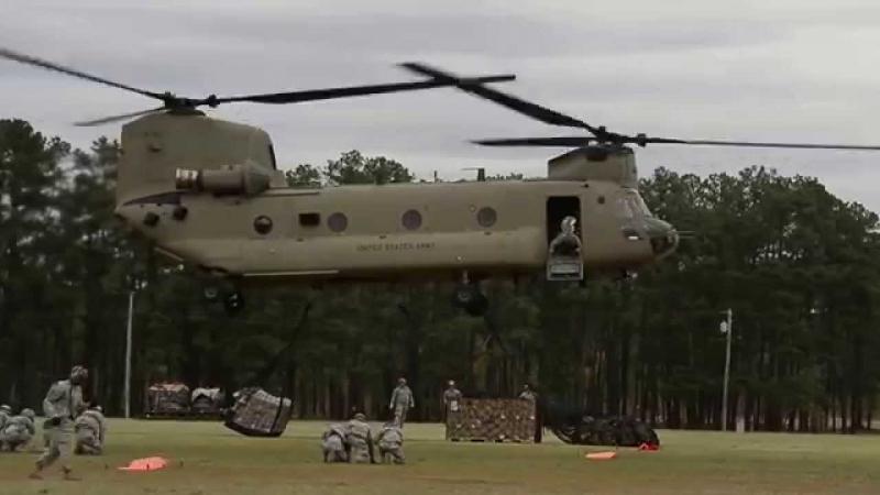 Trực thăng CH-47 Chinook.