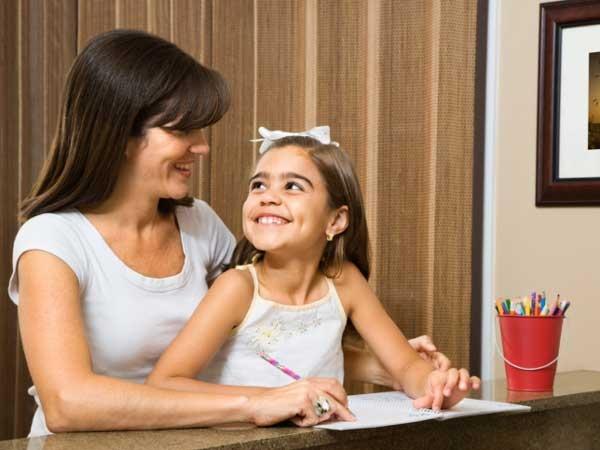 Bạn cần kiên quyết, dứt khoát khi rèn tính kỉ luật cho con.