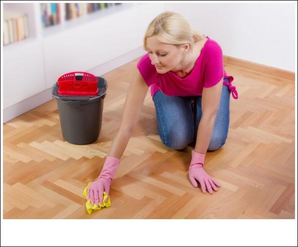 Tẩy sạch nền nhà