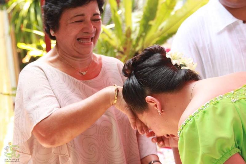Chạm tay lên trán (Philippines)
