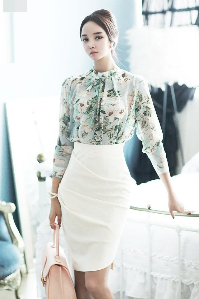 Một chiếc váy bút chì có thể giúp tăng tính lịch sự và nổi bật
