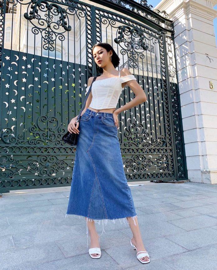Chân váy dài cùng áo croptop cá tính