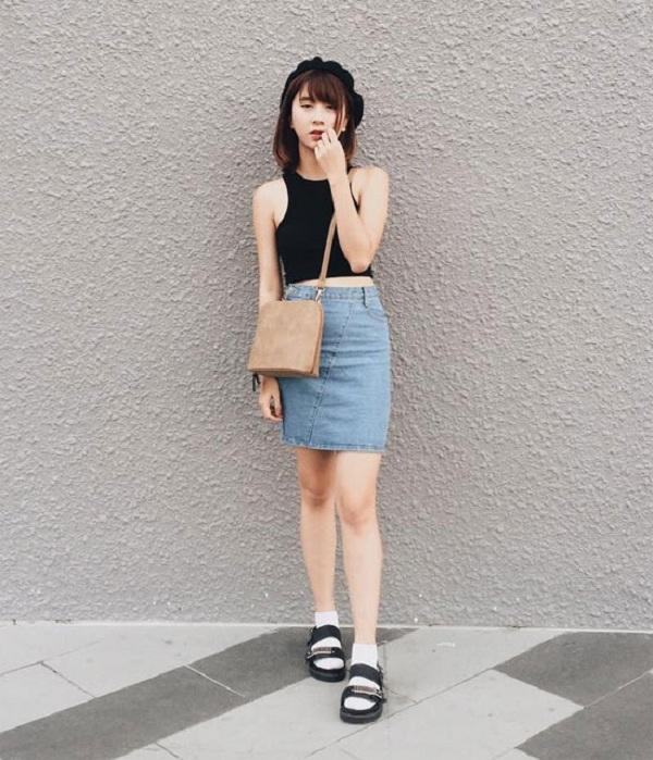 Croptop trơn mix cùng chân váy jean