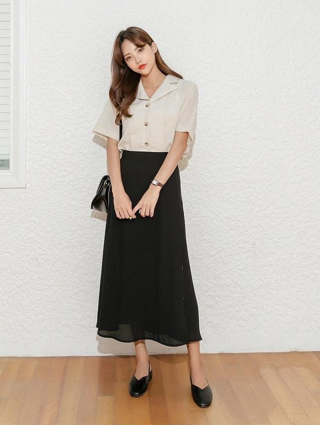 Chân váy với áo kiểu cách