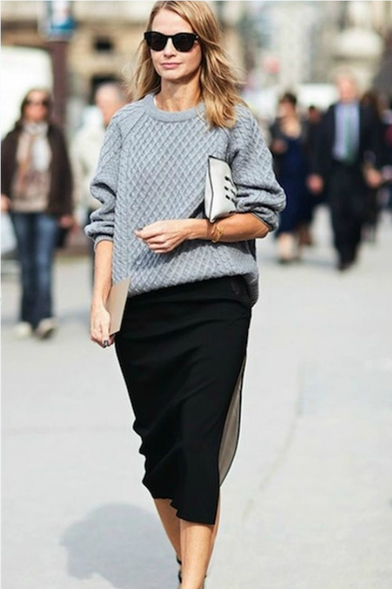 Chân váy và áo len dáng thụng