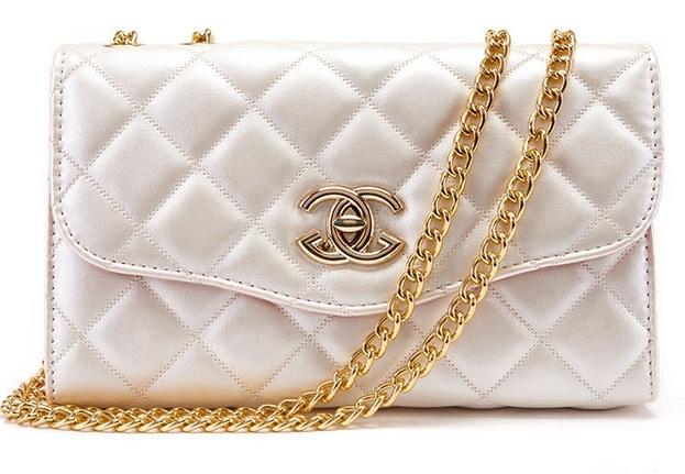 Chiếc túi xách thuộc thương hiệu Chanel