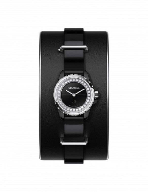 Mẫu đồng hồ J12 của Chanel