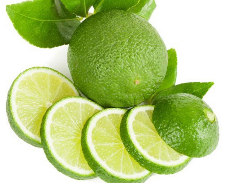 Chanh chứa lượng vitamin C rất lớn