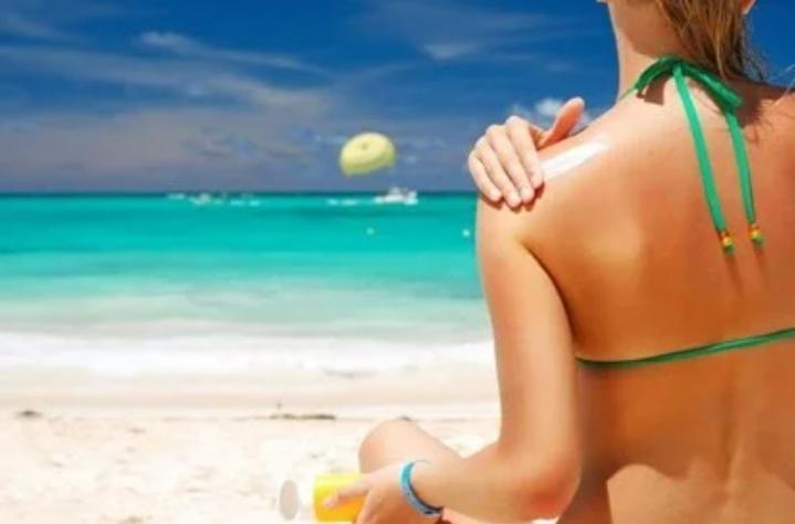 Chanh còn là nguyên liệu tuyệt vời để phục hồi da bị rám nắng