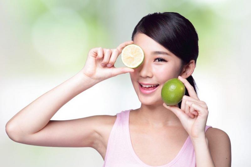 Chanh rất tốt để chăm sóc da mặt.
